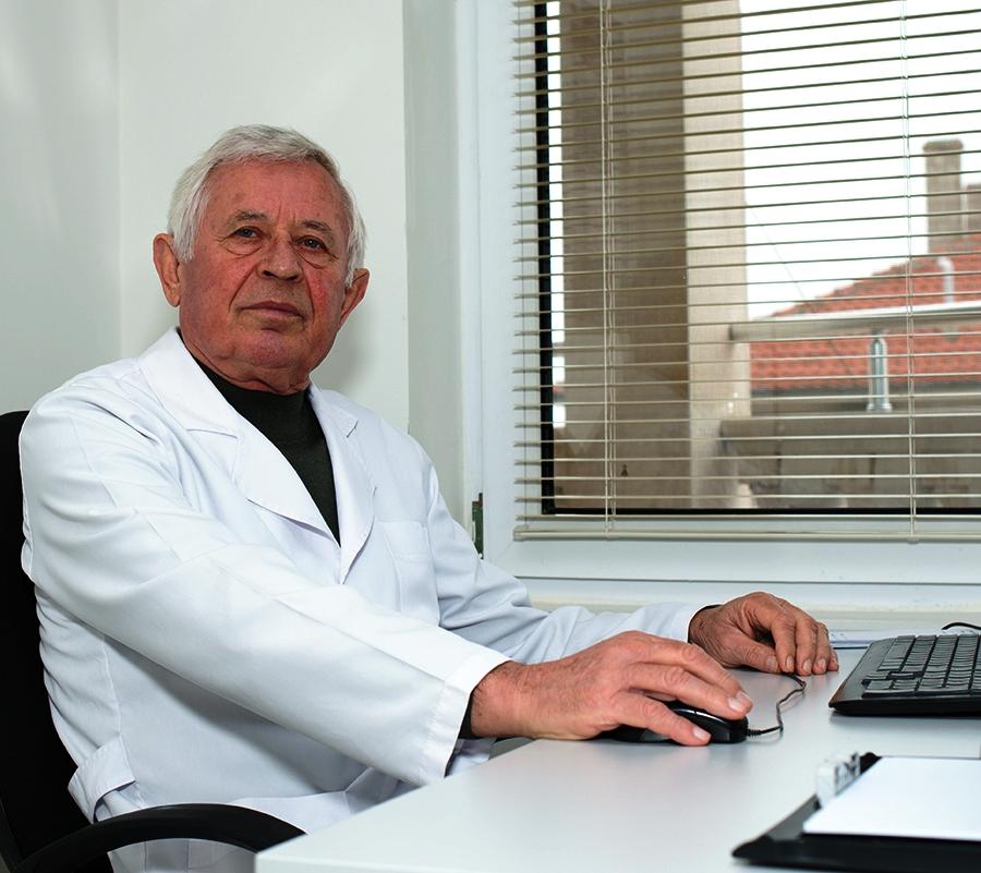 Д-р Иван Смолев
