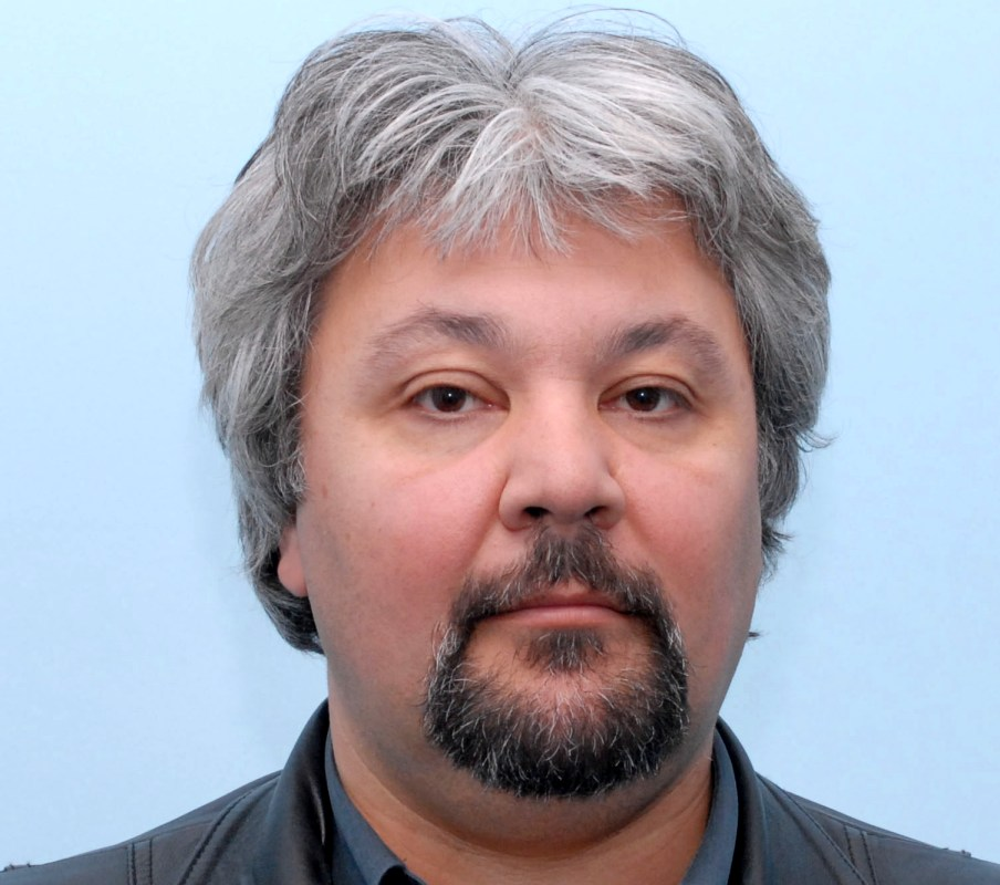 Д-р  Петър Ганчев